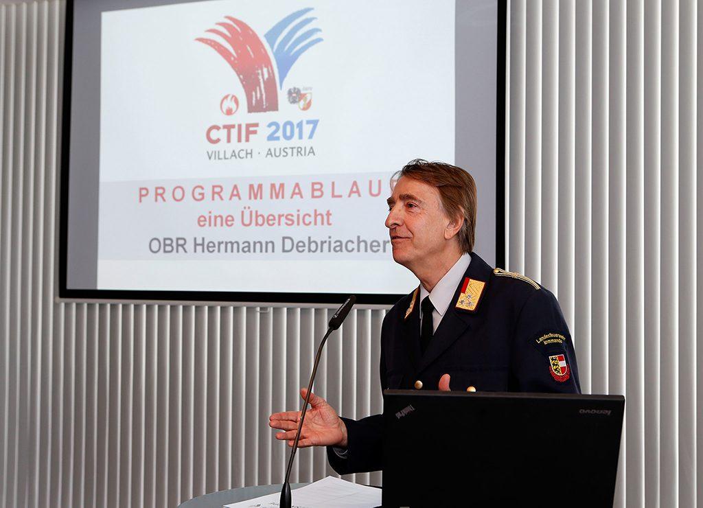 Informationsveranstaltung u. a. mit OBR Hermann Debriacher Foto: LPD/Höher