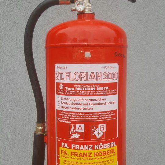 http://www.villachonfire.at/wp-content/uploads/2017/02/Feuerlöscher-5-540x540.jpg